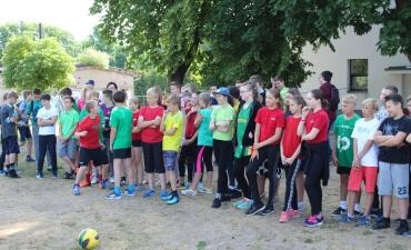 Lietuvos valstybės atkūrimo 100-mečiui skirta sporto šventė mokyklos bendruomenei