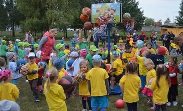 """Lopšelio-darželio """"Eglutė"""" vaikai palaiko Lietuvos krepšinio rinktinę!"""